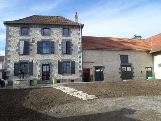 vente maison 5 MN AIGUEPERSE 5 pieces, 160m