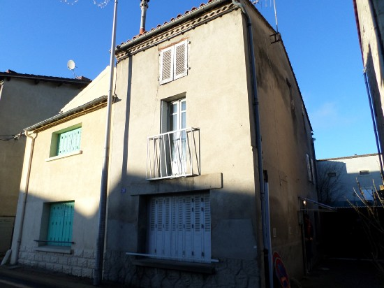 vente maison AIGUEPERSE 3 pieces, 55m